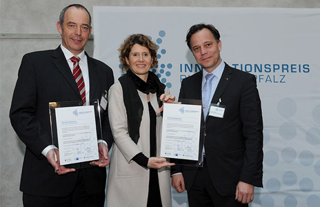 Prize-giving f.l.t.r.: Dr. Ralph Funck, Ministerin Eveline Lemke, Prof. Dr.-Ing. Ulf Breuer